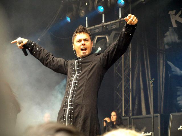 Бывший вокалист Kamelot представил сольную песню