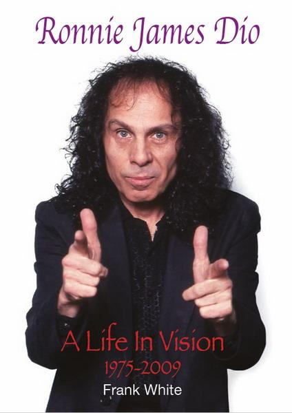 Подборка фотографий Ронни Джеймса Дио увидит свет 7 декабря в виде книги «A Life In Vision».