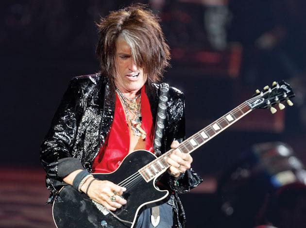 Гитарист Aerosmith выпустил сольный клип с участием вокалиста Extreme.