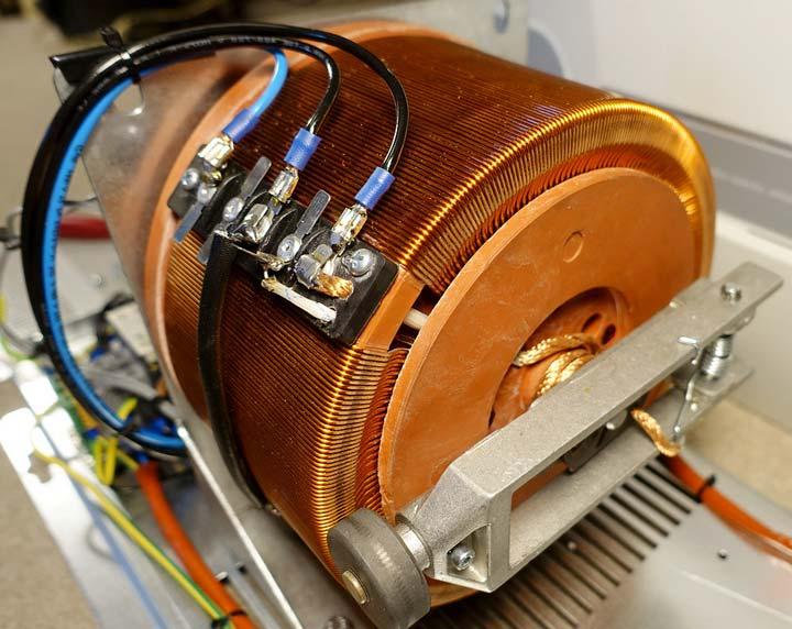Выбор между релейным и электромеханическим стабилизатором