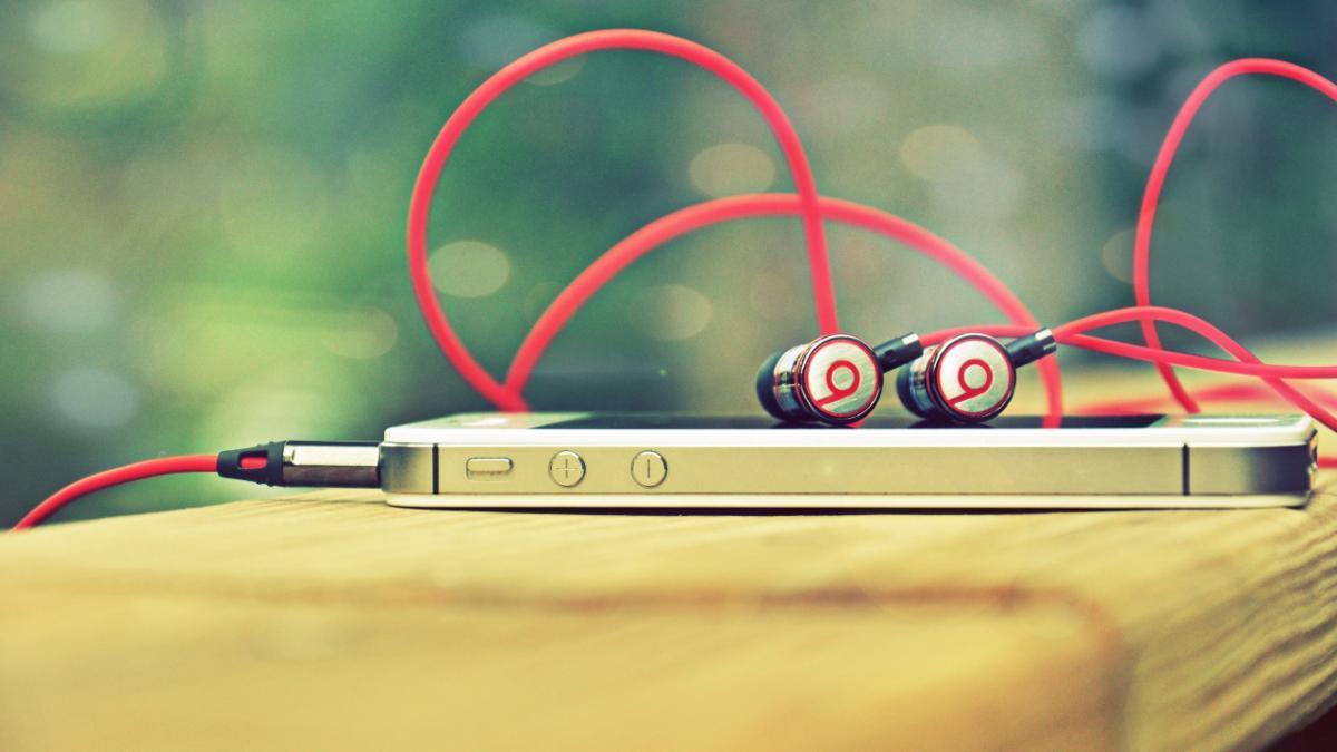 Где можно бесплатно скачать любую музыку