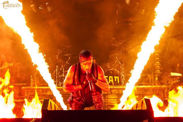 Группа Rammstein отправится в тур с новым альбомом.