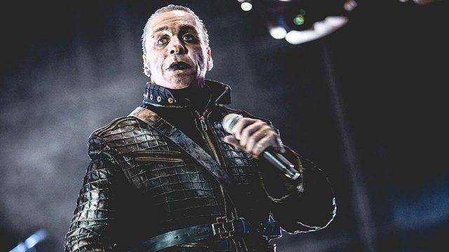 Вокалист Rammstein сломал челюсть поклоннику.