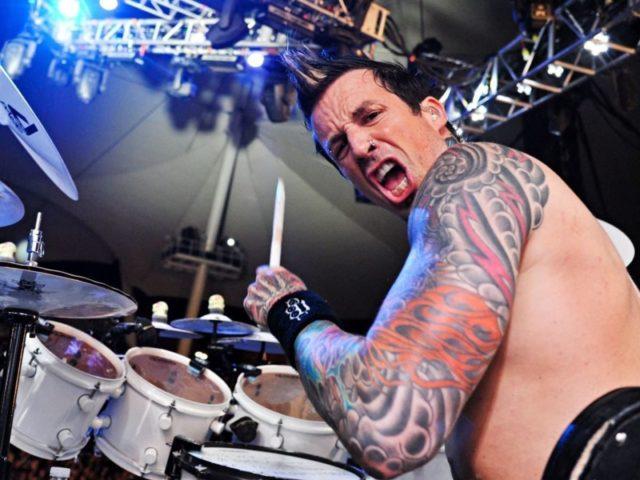 Бывший барабанщик Five Finger Death Punch сообщил о своей новой профессии