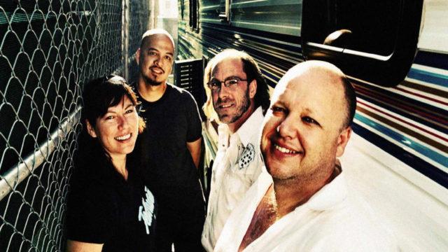 Pixies показали приключения девушки и сома