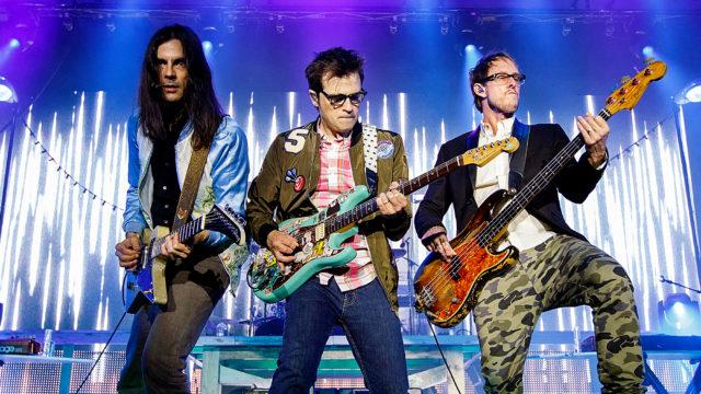 Weezer назвали дату выхода следующего альбома и выпустили новый клип