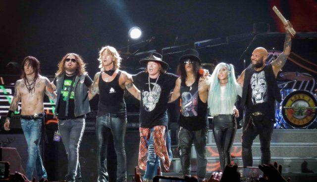 """Guns N' Roses впервые за более чем 20 лет исполнили """"Locomotive"""" на концерте"""