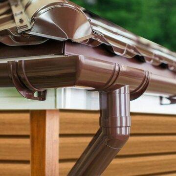 Нюансы проведения ремонта водосточной системы дома
